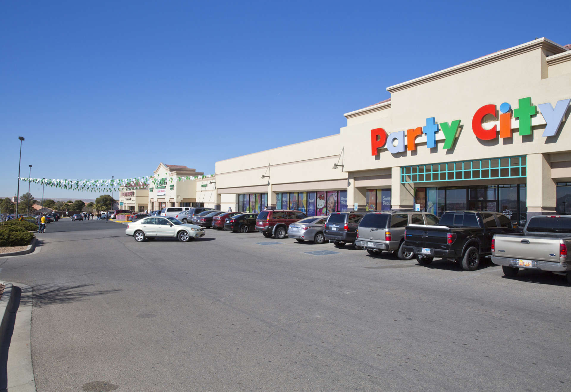 Party City is a privately held company in El Paso, TX and is a Single Location business. Categorized under Favors. Our records show it was established in and incorporated in Texas. Current estimates show this company has an annual revenue of and employs a staff of approximately